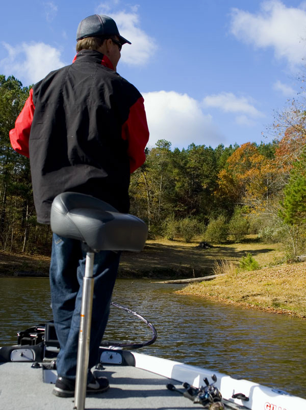 春バス釣りは、水温の変化に適応すること