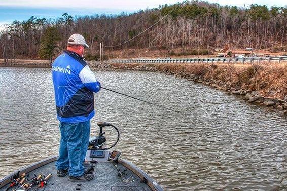 晩冬から早春のバス釣りは「濁り」を釣るべし!?