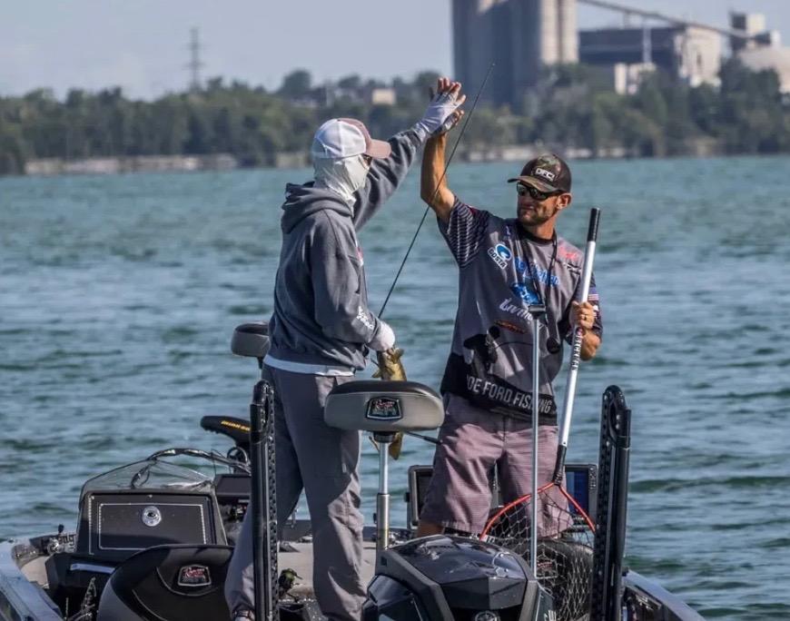夏のスモールマウスバス釣り:本場カナダに学ぶ