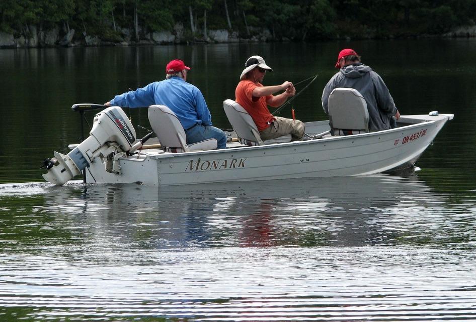 秋のバス釣りはベイトフィッシュを追え