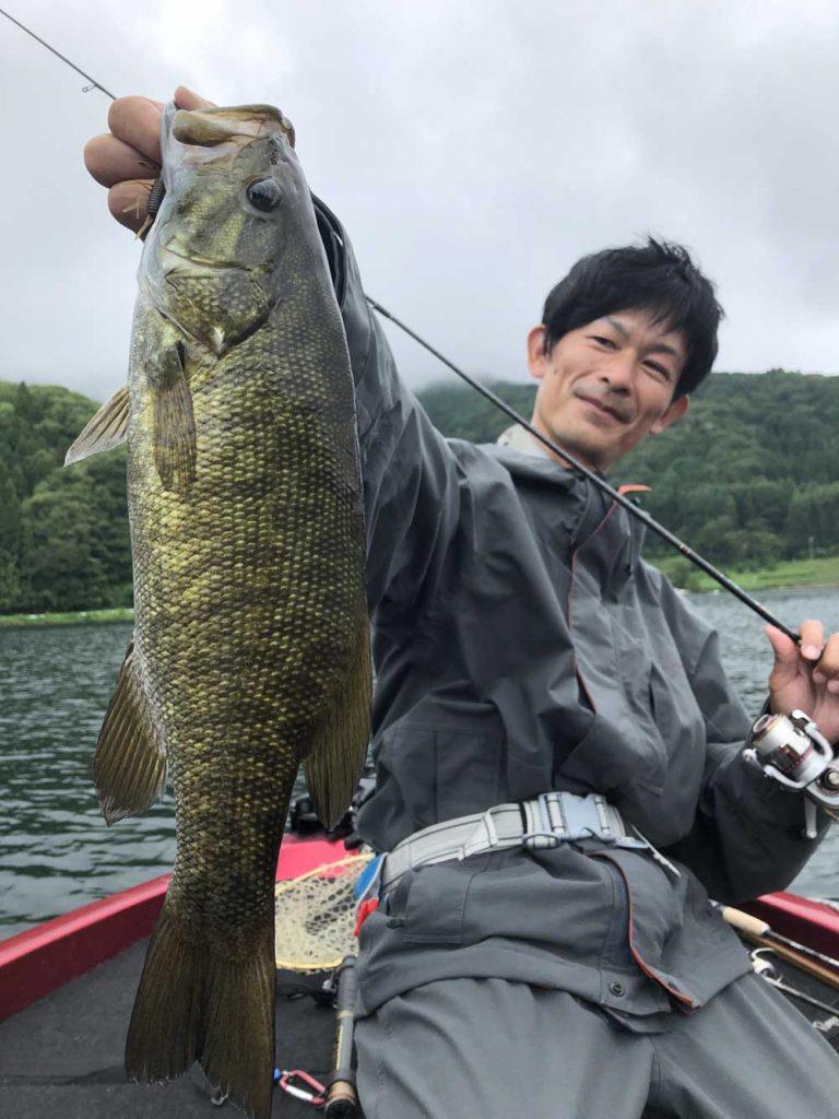 7月の野尻湖スモールマウスバス!水野浩聡プロと沈み虫パターンで初めての野尻湖釣行!